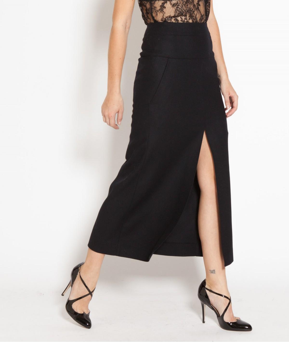 jupe longue fendue quelques conseils pour bien la porter. Black Bedroom Furniture Sets. Home Design Ideas